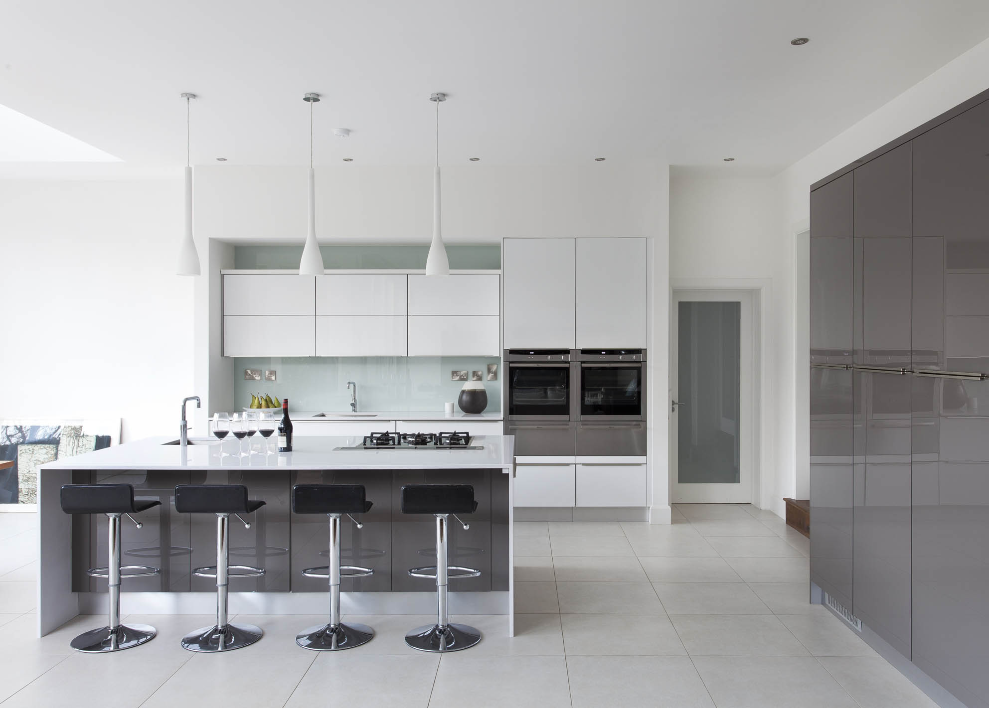 Gloss white and grey contemporary kitchen, Malahide